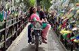 Huma Qureshi and Akshay Kumar Jolly LLB 2 Movie Song Stills 18