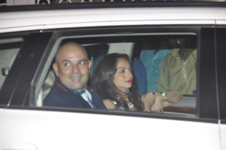 Khan alvira agnihotri at kareena wedding reception pictures