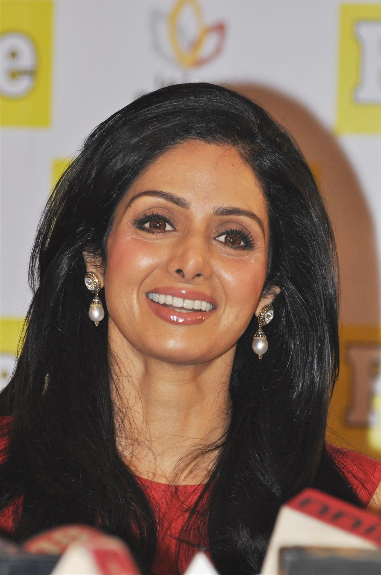 Sridevi at the launch of december issue of people magazine in mumbai 7
