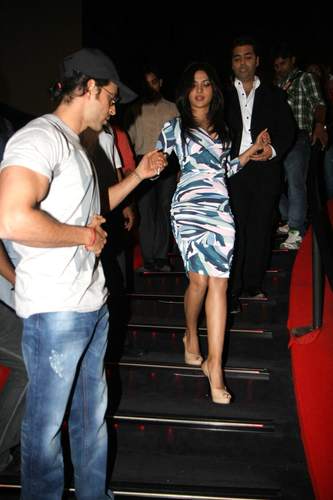 hrithik roshan helping priyanka chopra walk down imax stairs at film