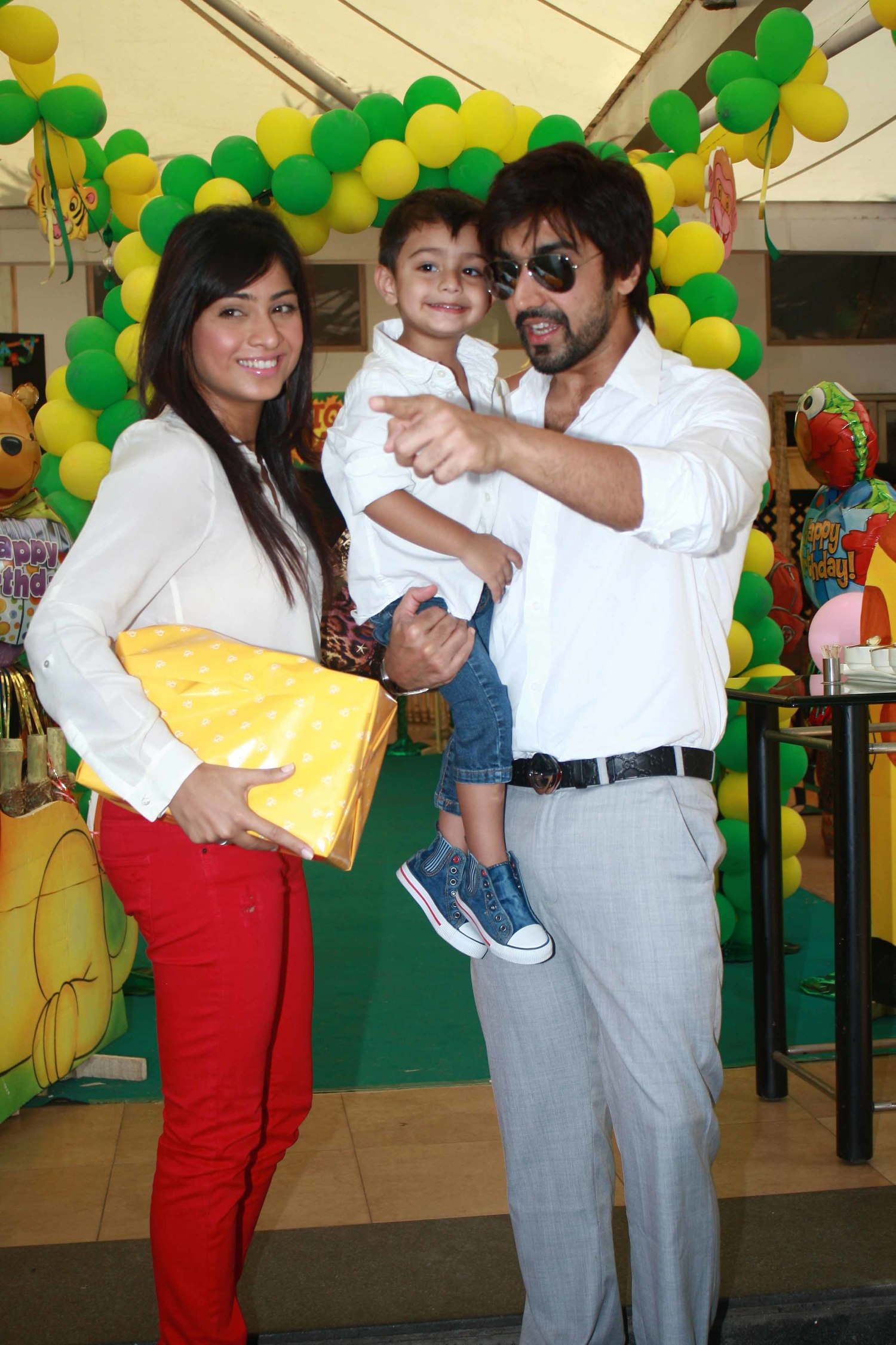 Aashish Chaudhary And Wife Actor Ashish Ch...