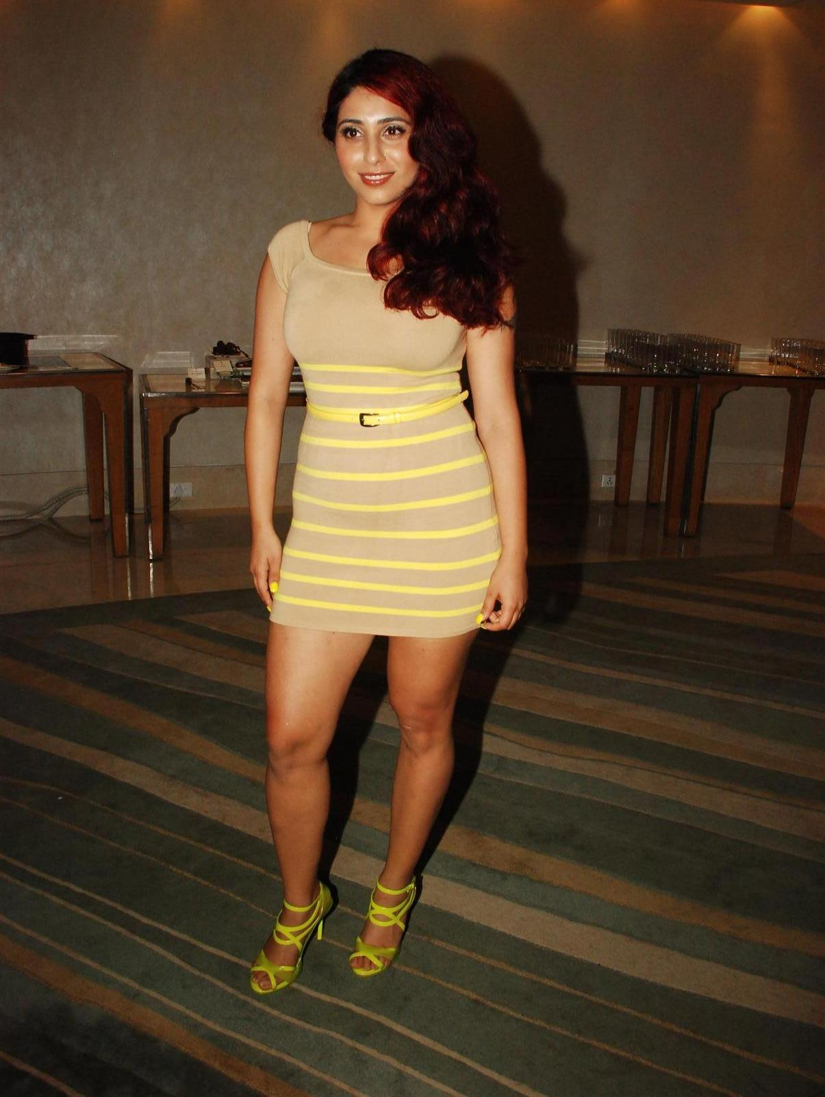 Neha Bhasin - Wikipedia