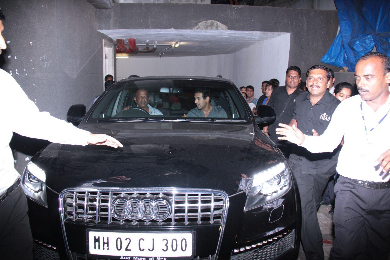 q7 car at book launch of yash birla in mumbai 10 audi q7 2012 audi q7