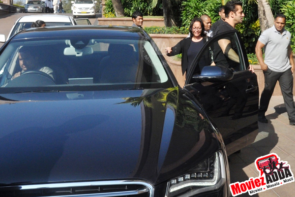 Salman Khan Cars Images Salman Khan snapped arriving