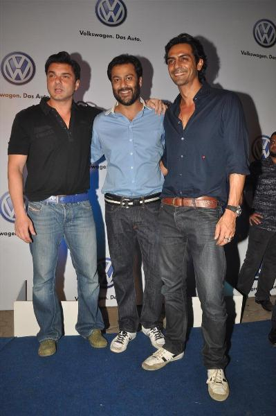 bollywood celebs at planet volkswagen launch at blue frog-photo8