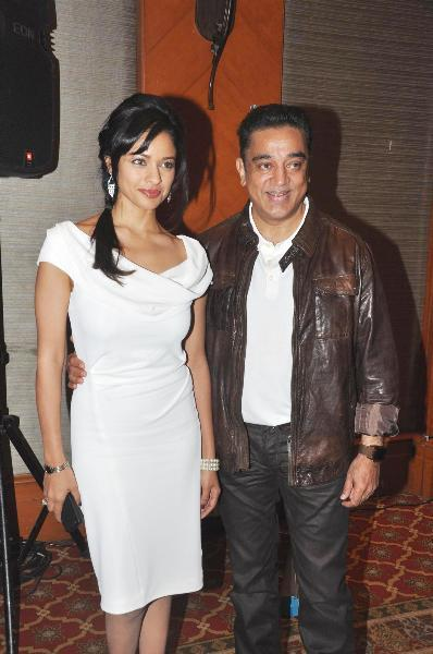 Kamal Haasan with Pooja Kumar at film VISHWAROOPPremiere tie up with VIDEOCON DTH announcing in Mumbai  2