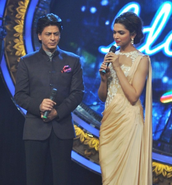 Padukone promoting CHENNAI EXPRESS on INDIAN IDOL JUNIOR sets 3