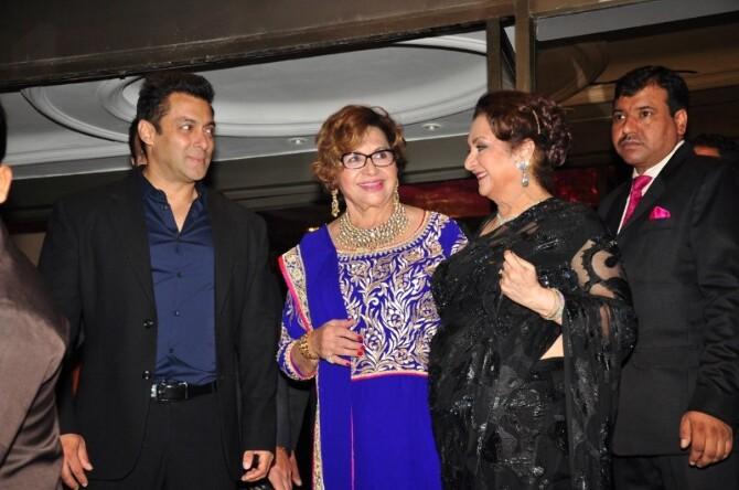 salman khan helen saira banu at wedding reception of