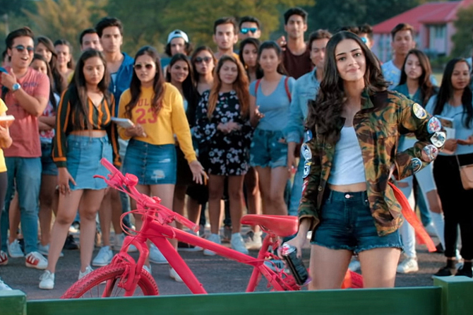 Ananya Panday Student Of The Year 2  6