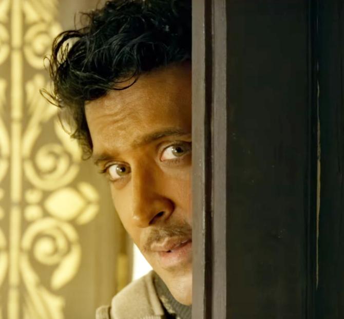 Jugraafiya song from Super 30 starring Hrithik Roshan   Mrunal Thakur  25