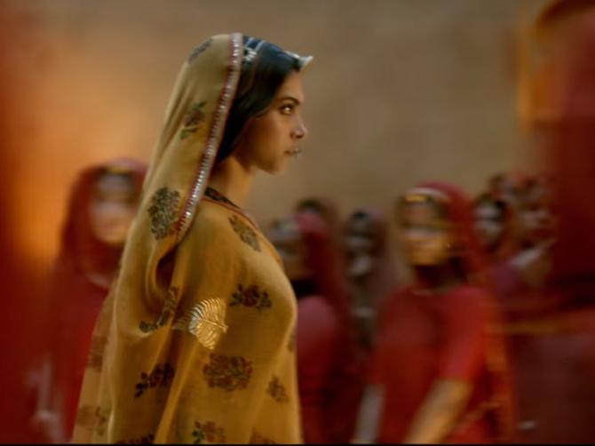 Deepika Padukone PADMAAVAT movie Stills  23