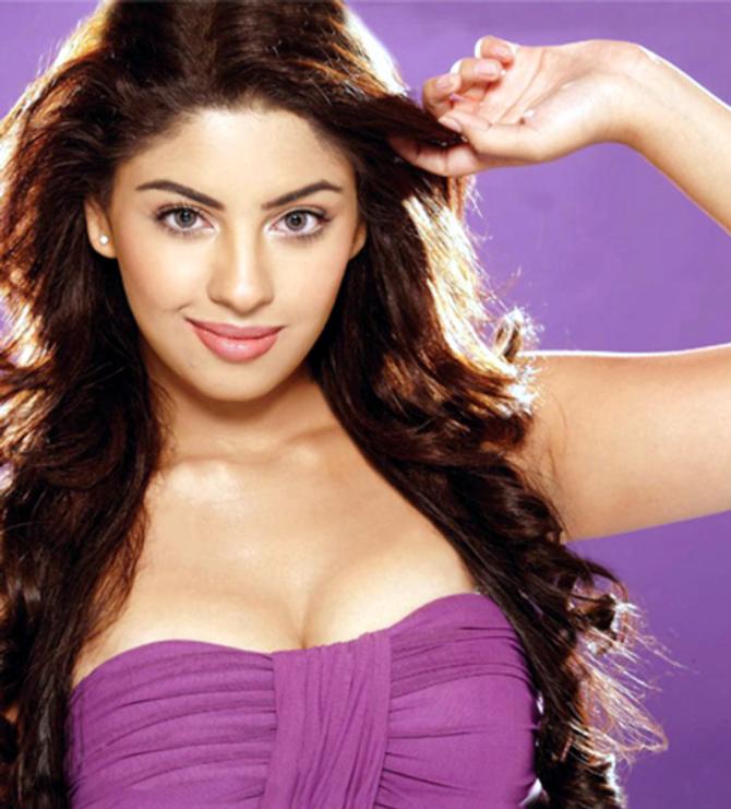 Richa Gangopadhyay Hot Image