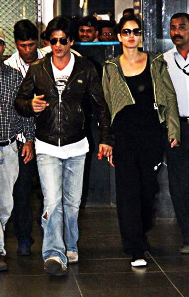 Shahrukh Khan Katrina Kaif at Airport Photo