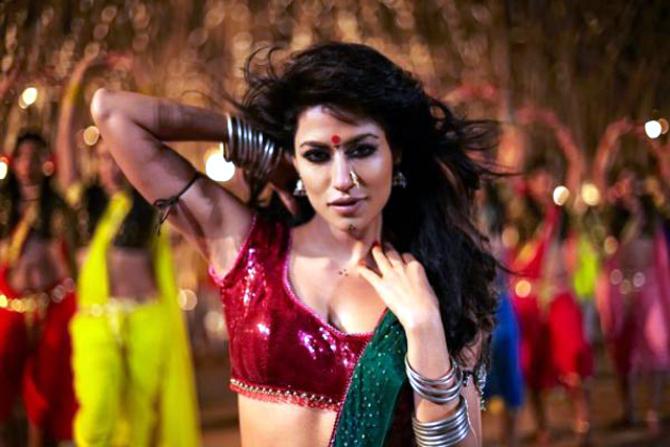 Chitrangada Singh Joker Movie Song Pic