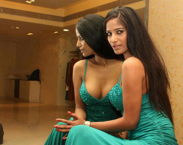 Poonam Pandey Hot Photoshoot