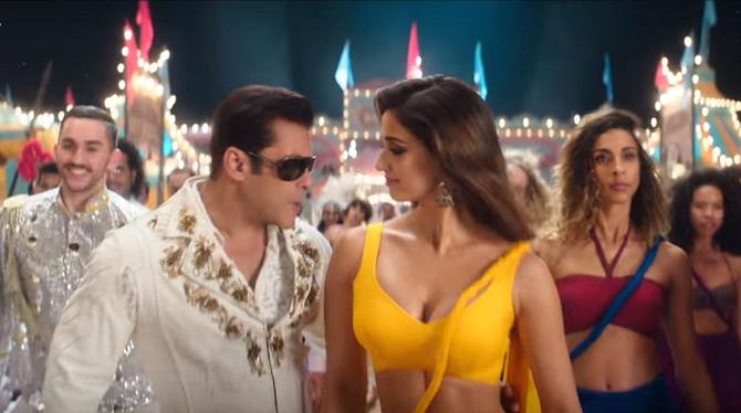 Salman Khan  Disha Patani starrer Bharat Movie Slow Motion Song 8