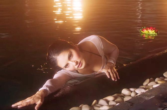 Sunny Leone Tera Intezaar Movie Stills  20