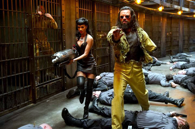 Nicole Scherzinger and Jemaine Clement in Men in Black 3 Photo