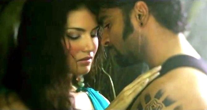 Sunny Leone Sachiin Joshi Jackpot Film Song Image