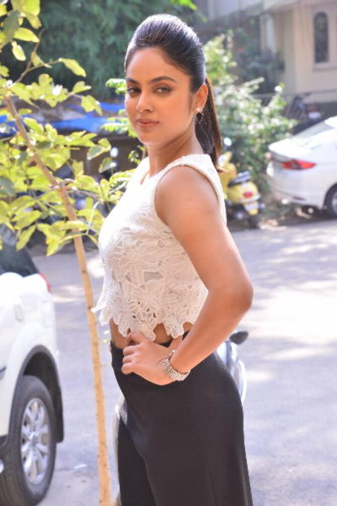 Bluff Master Heroine Naditha Swetha Interview Stills    30