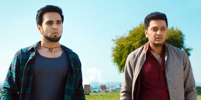Ritesh Deshmukh Pulkit Samrat Bangistan Movie Photo ...