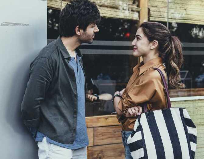Kartik Aaryan and Sara Ali Khan First look poster of Love Aaj Kal  2