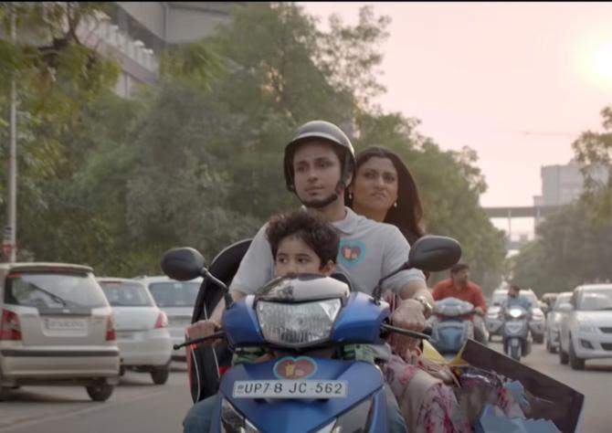 Amol Parashar starrer Dolly Kitty Aur Woh Chamakte Sitare Movie photos  18