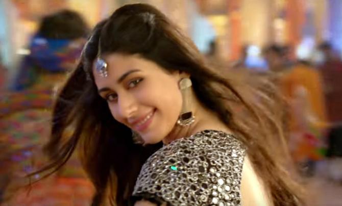 Warina Hussain Loveratri Movie Stills  13