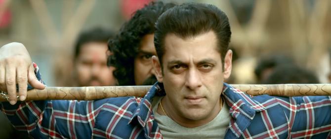 radhe hindi movie photos-photo32