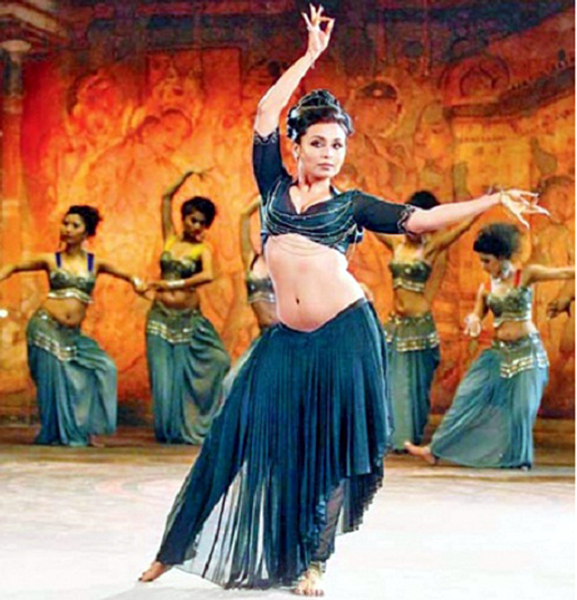 Rani Mukerji Aiyyaa Film Song Scene Photo