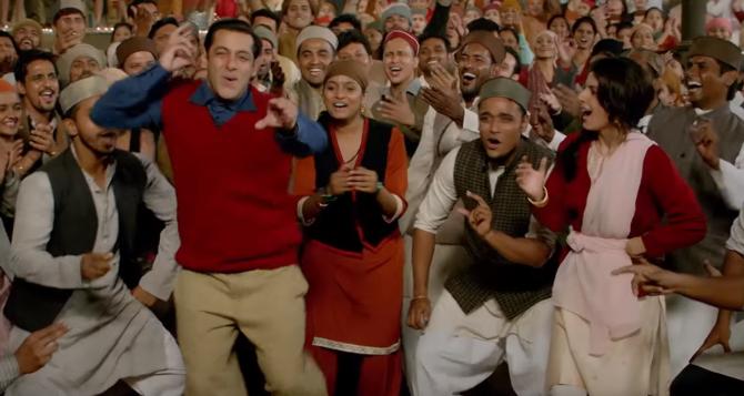 Salman Khan Tubelight Movie RADIO Song Pics  5