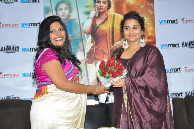 Vidya Balan at Yes Mart in Hightech City  Madapur  Hyderabad to Promote Kahaani 2 Moive  13