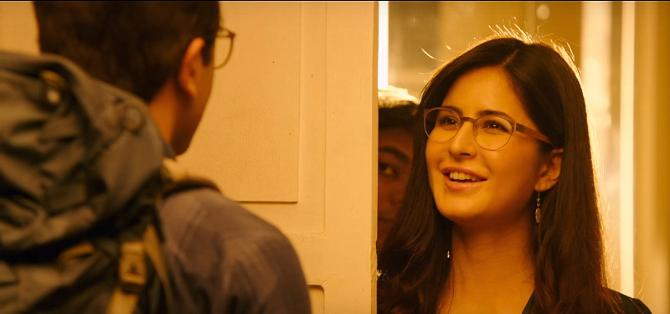 Katrina Kaif Jagga Jasoos Movie Khaana Khaake Song Pics  5