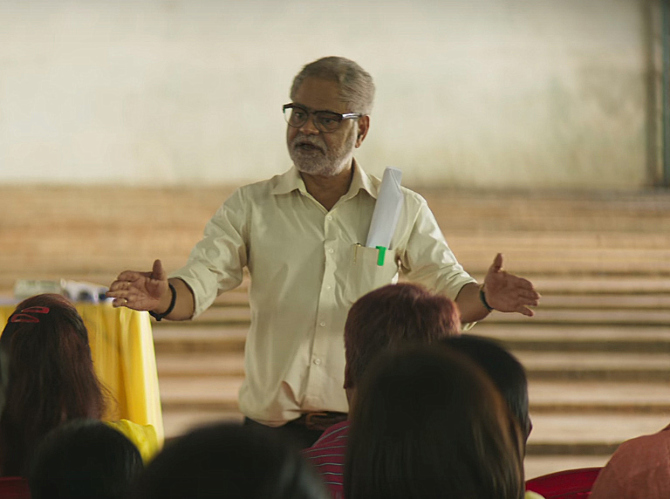 Sanjay Mishra NEWTON Movie Stills  6