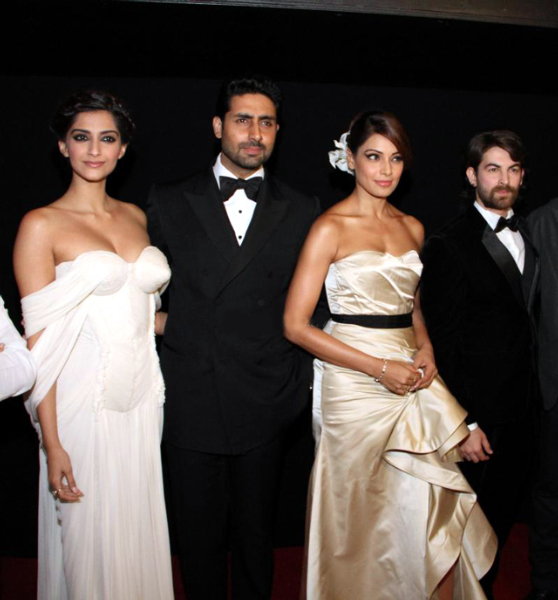 Sonam Kapoor Players Dubai Premiere Photo