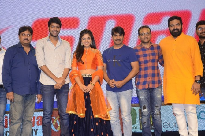 Jamba Lakidi Pamba Movie Pre Release Event  5