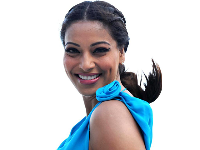 Bipasha Basu Jodi Breakers Movie Image