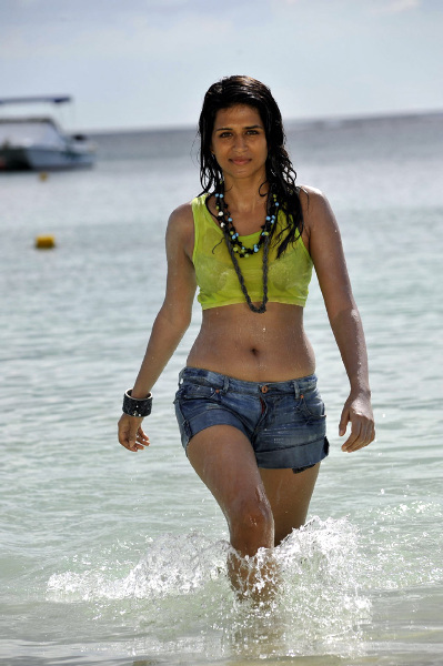 Shraddha Das Mogudu Movie Song Still
