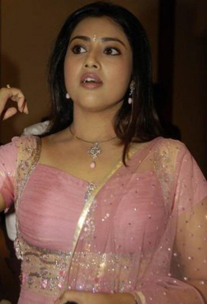 hottest tamil aunty actress meena sexy pics stills  2